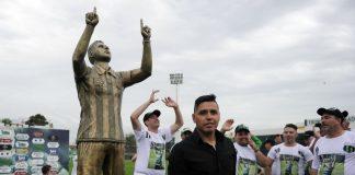 gomito-estatua