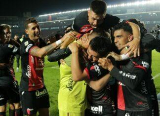 Colón-Santa-Fe-vs-Talleres-Copa-Liga-Profesional-festejo-Independiente-Rival