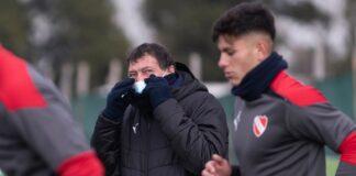 Julio-César-Falcioni-DT-Independiente-Villa-Domínico-Entrenamiento