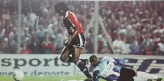 Albeiro-Palomo-Usuriaga-gol-vs-Santos-Supercopa-1994-Los-5-Goles
