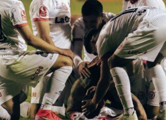 Hernán-Fredes-Rojos-Por-El-Mundo-Unión-San-Felipe-Iquique-Gol-Independiente