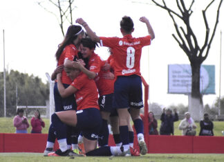 Diablas-Independiente-vs-Huracán-Fútbol-Femenino-Villa-Domínico