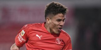 Festejo gol Independiente Andres Roa